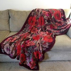 Vera Bradley RETIRED in 2017 Bohemian Blooms Throw